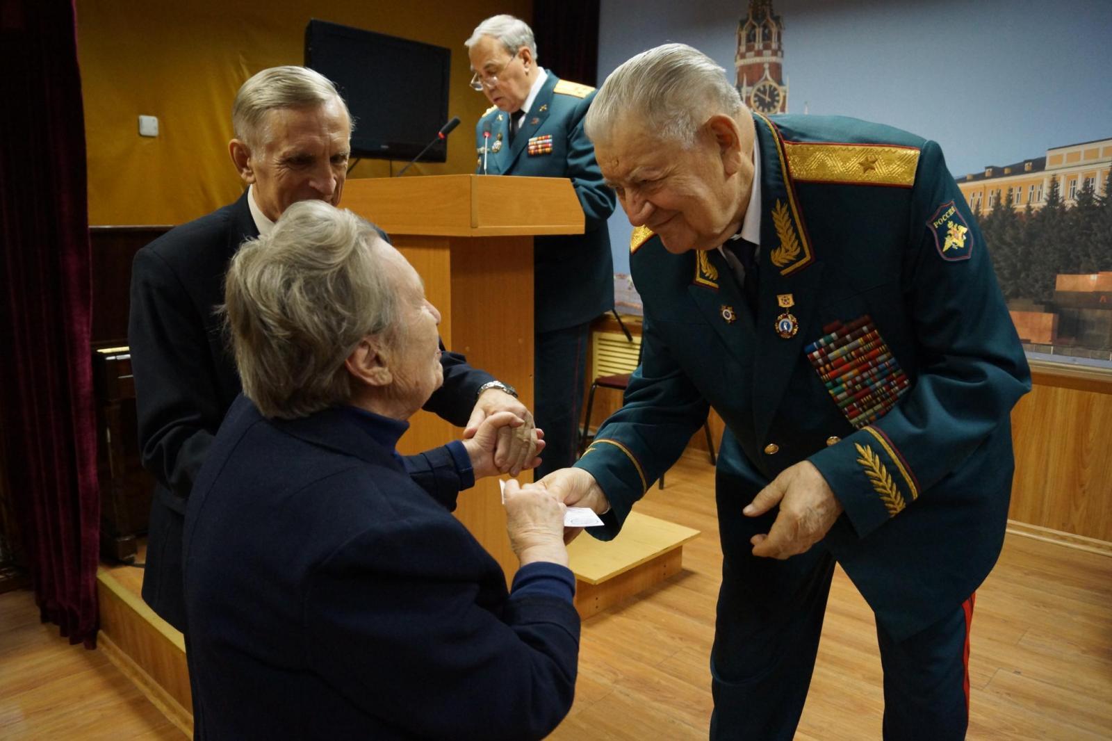 День матери в Московском комитете ветеранов войны